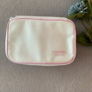 💕CHANEL Perfumes Toiletries/makeup travel bag